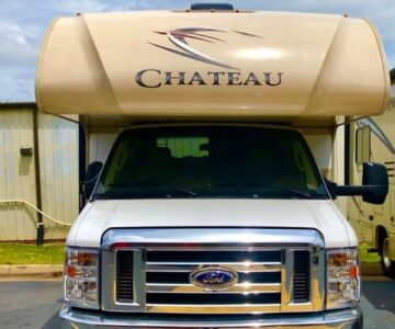 2019 Thor Motor Coach Chateau - Front